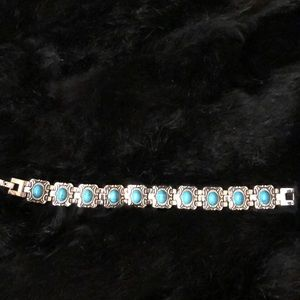 Jewelry - Silver Metal Bracelet w/ Turquoise Colored Stones